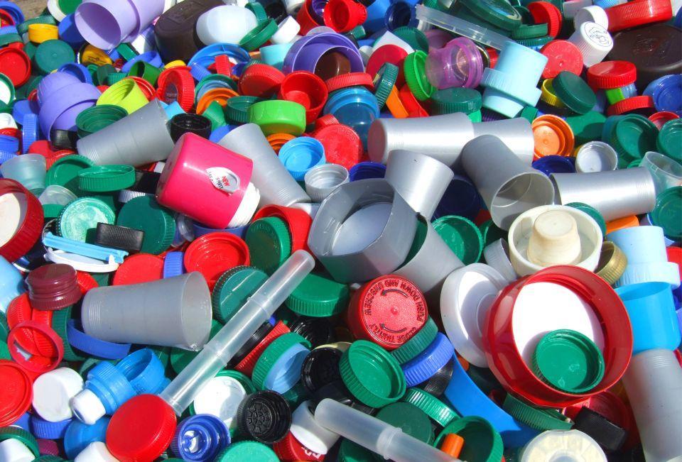 Recyklace plastu - plastový odpad