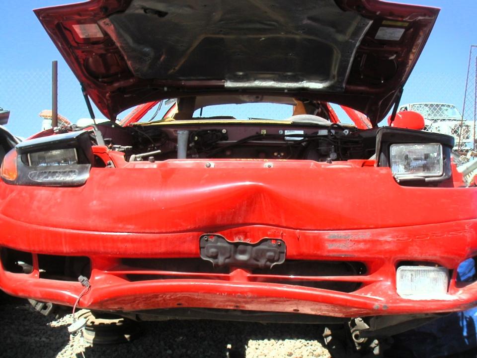Dopravní nehoda - rozbitý automobil