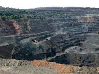 Ferrexpo - povrchový důl železné rudy