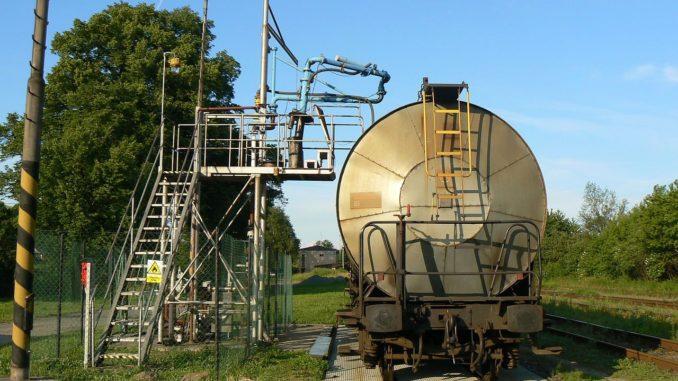 Těžební společnost MND - Stáčiště ropy v Nemoticích