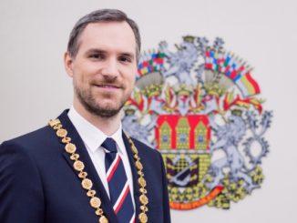 Zdeněk Hřib, primátor Hlavního města Prahy - politici si polepší